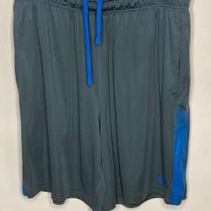 Nike Dri-fit with side pockets Sz XL